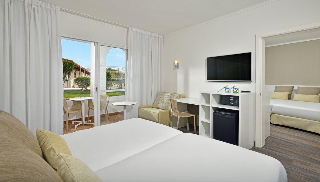 Vacanze in spagna minorca sol falco settemari tour for 2 camere da letto 2 bagni